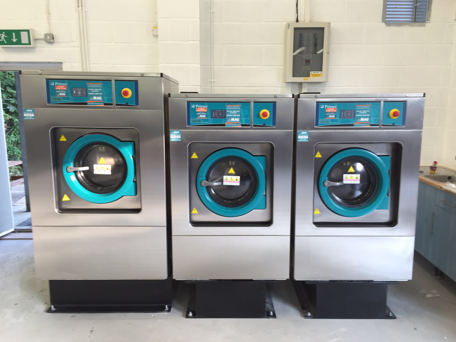 Industrial Washing Machine ~ What are the best types of commercial laundry equipment