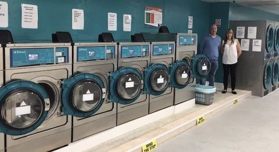 STARTING-A-LAUNDERETTE-BUSINESS-700x350
