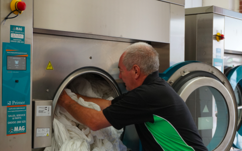 using-a-industrial-washing-machine-primer-laundry